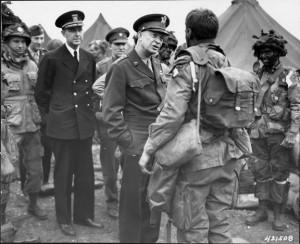 Gen. Eisenhower vists 101st Airborne